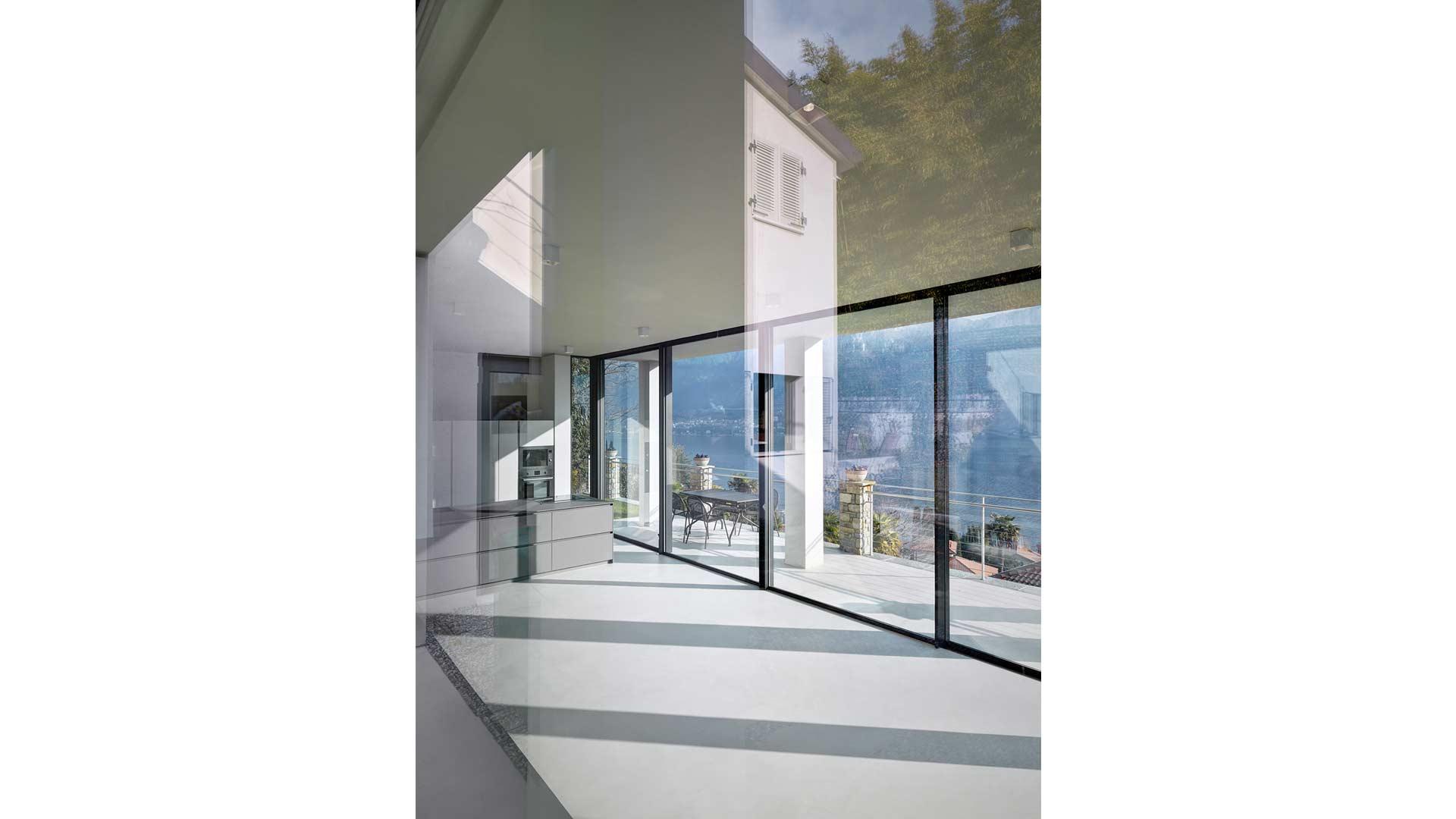 Le realizzazioni di Art Metal Srl: appartamento a Bellagio (CO).